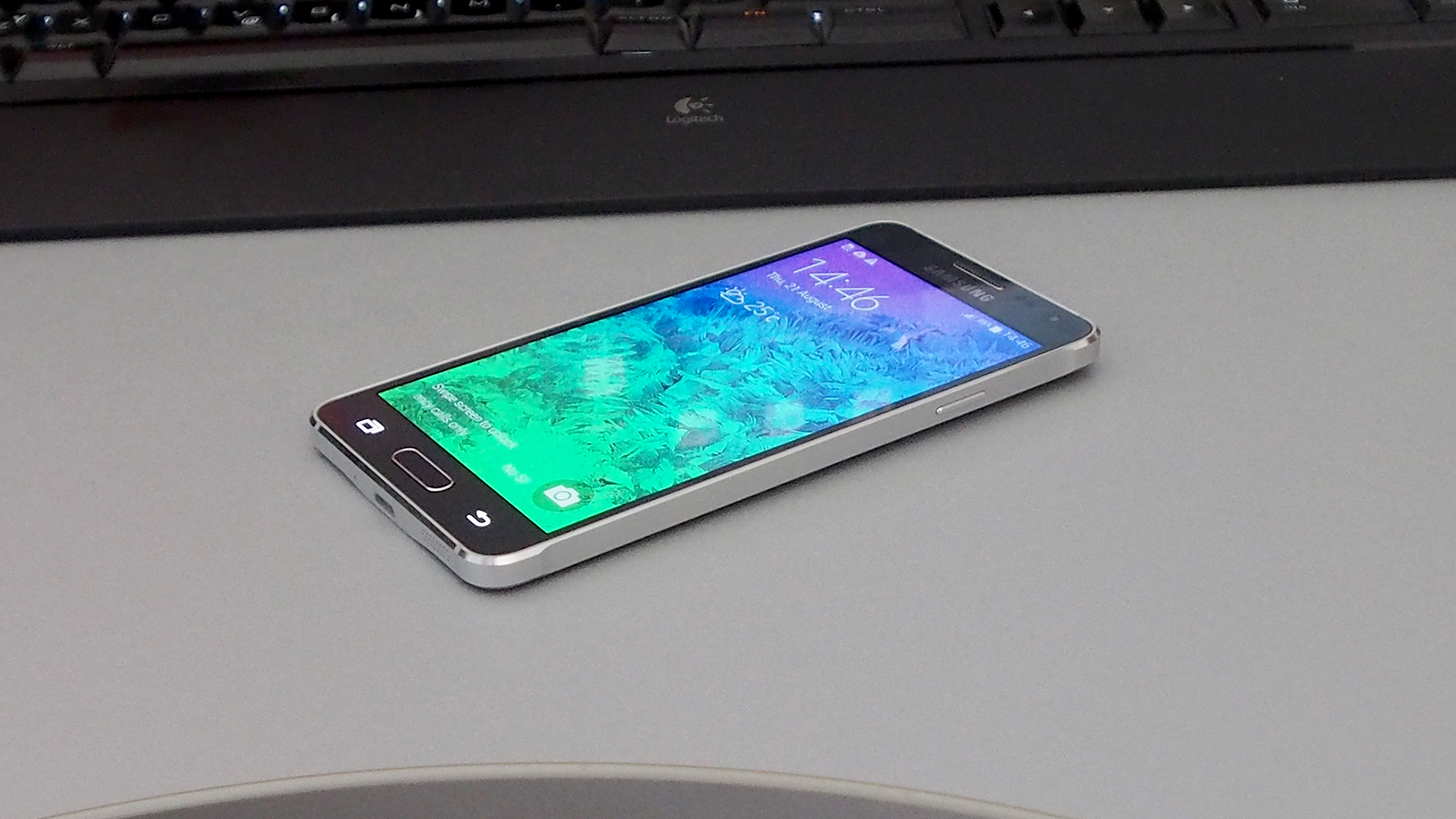samsung galaxy alpha preview on the table